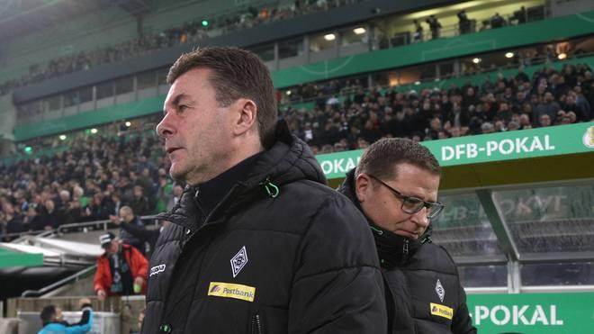 Gladbachs Sportdirektor Max Eberl (r.) steht nach wie vor fest zu Trainer Dieter Hecking