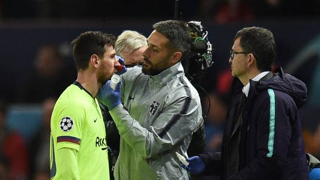 Lionel Messi prallte im Hinspiel mit Chris Smalling zusammen