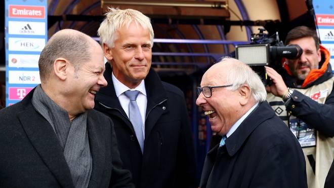 Hamburg als Meister? Olaf Scholz' Traum würde auch Uwe Seeler (r.) gefallen
