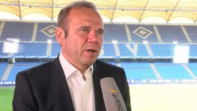 HSV-Präsident Bernd Hoffmann spricht über die Kaderplanung für die 2. Liga und rechnet mit den Chaoten beim Gladbach-Spiel ab