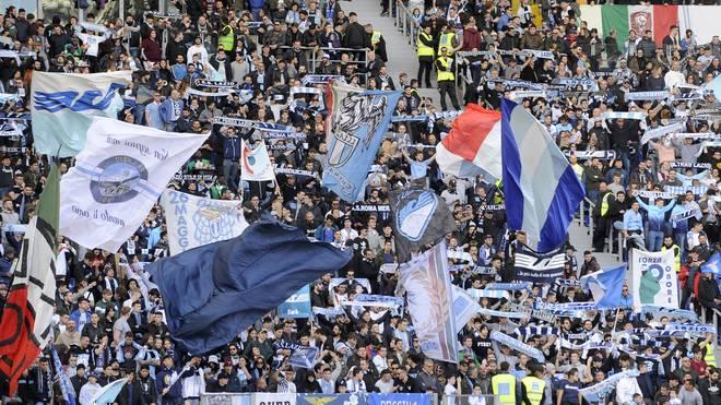 Fans von Lazio Rom sorgten mit antisemitischen Aufklebern für einen Eklat