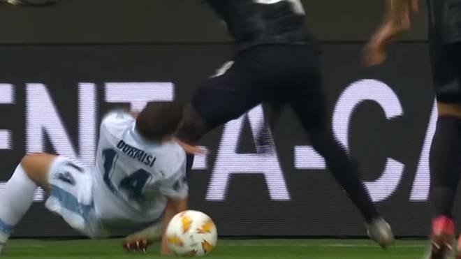 Europa League: Horror-Verletzung von Lazio-Profi Durmisi gegen Frankfurt