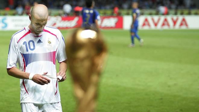 Zinedine Zidane flog im WM-Finale 2006 nach einem Kopfstoß vom Platz