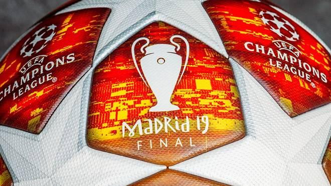 Die Rot-Töne sind den Sitzschalen des Wanda Metropolitano nachempfunden