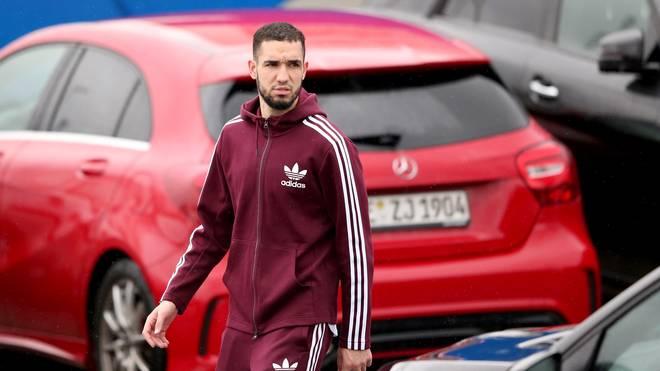 Schalke 04: Trainer Huub Stevens begnadigt Nabil Bentaleb, Nabil Bentaleb wird ab Dienstag wieder am Training von Schalke 04 teilnehmen