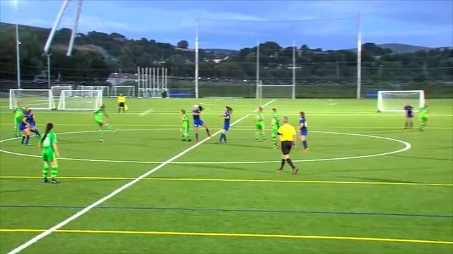 Irres Tor in Nordirland: Volley-Kracher von der Mittellinie