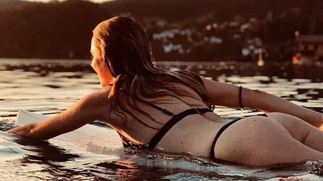 Lisa Zimmermann kennt man eigentlich vom Slopestyle, doch sie beeindruckt auch auf dem Surfbrett
