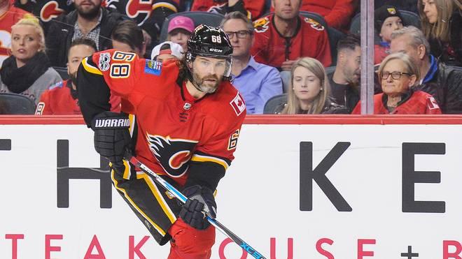 Ottawa Senators v Calgary Flames