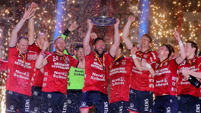 Die SG Flensburg-Handewitt wurde mit zwei Punkten Vorsprung vor dem THW Kiel deutscher Meister
