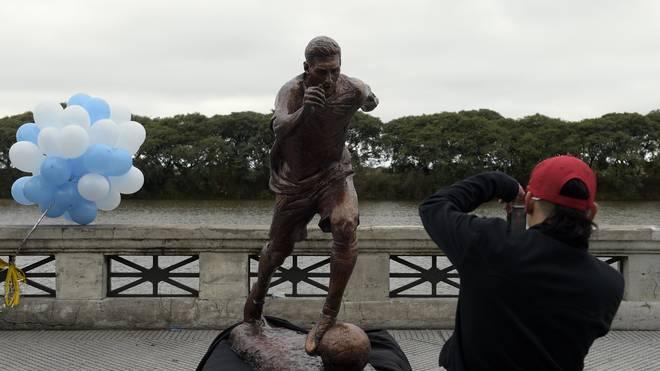Die Statue von Lionel Messi wurde Ende Juni 2016 enthüllt