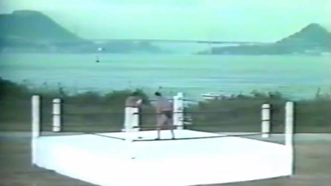 Masa Saito (l.) und Antonio Inoki kämpften 1987 über zwei Stunden auf der Insel Ganryujima