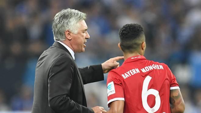 FC Schalke 04 v Bayern Muenchen - Bundesliga