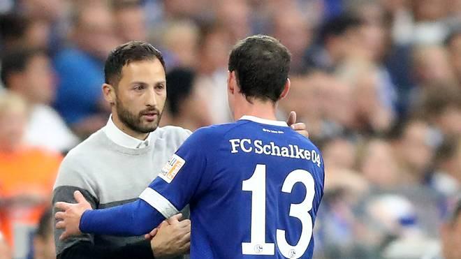 Schalke 04: Domenico Tedesco spricht über Sebastian Rudy, Schalke-Trainer Domenico Tedesco mit Neuzugang Sebastian Rudy