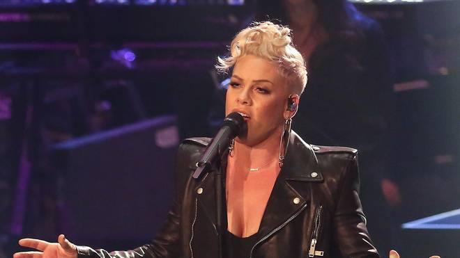 Pink wird vor dem Super Bowl die amerikanische Nationalhymne singen