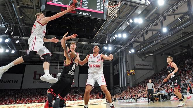 Bundesliga Playoffs Brose Baskets Bambergs Werfen Soliver Baskets Raus