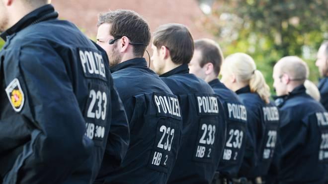 Bremen will von der DFL Geld für die Polizeieinsätze bei Bundesliga-Risikospielen
