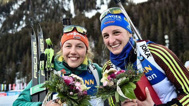 Die deutschen Starterinnen Laura Dahlmeier (li) und Vanessa Hinz