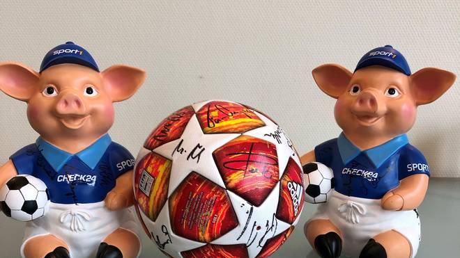 Versteigerung: Bieten sie für einen Original-CL-Finalball oder ein Phrasenschwein, Bei der Versteigerung bieten sie für einen Original-CL-Ball und ein Phrasenschwein