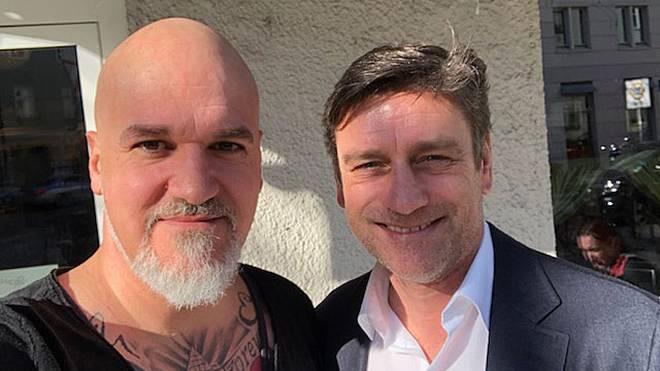 SPORT1-Reporter Reinhard Franke (l.) traf Oliver Kreuzer zum Interview