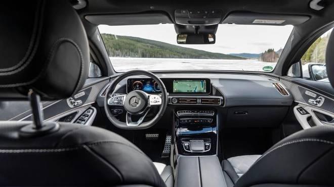 Wie gewohnt setzt Mercedes auch beim EQC auf eine hochwertige Innenausstattung
