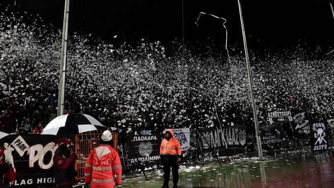 Die Anhänger des griechischen Vereins PAOK Saloniki sorgen immer wieder für Aufregung