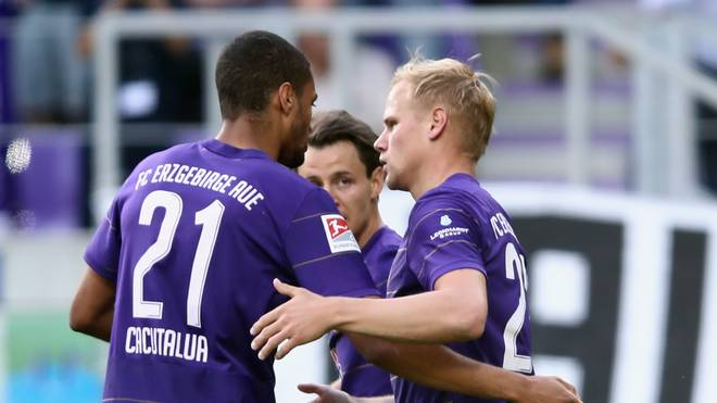 Erzgebirge Aue v Karlsruher SC - 2. Bundesliga Playoff Leg 2