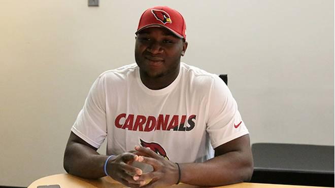 Moubarak Djeri hat einen Vertrag bei den Arizona Cardinals unterschrieben