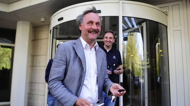 Peter Neururer könnte bald auf die Trainerbank zurückkehren