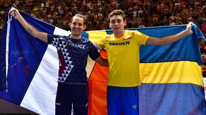 Armand Duplantis (r.) sprang zehn Zentimeter höher als Renaud Lavillenie