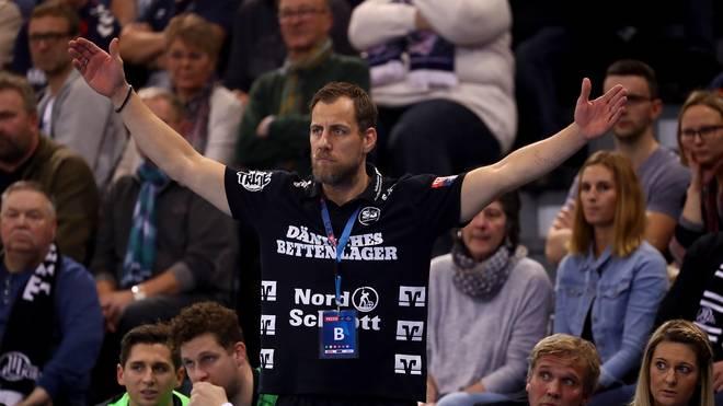 Handball: Flensburg-Handewitt bezahlt Lehrgeld in Champions League, Flensburg-Trainer Maik Machulla führt mit seinem Team die Bundesliga an
