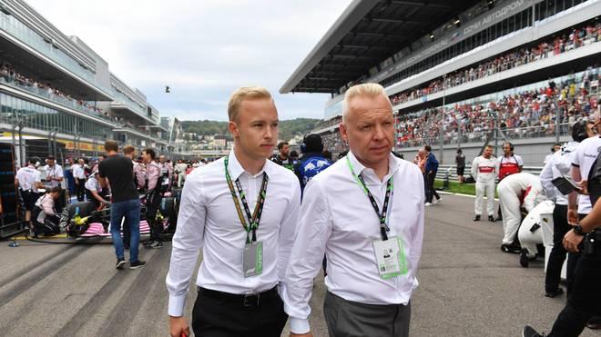 Dmitri Masepin und sein Sohn Nikita