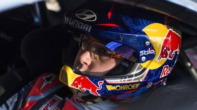 Thierry Neuville überstand den spektakulären Unfall unverletzt