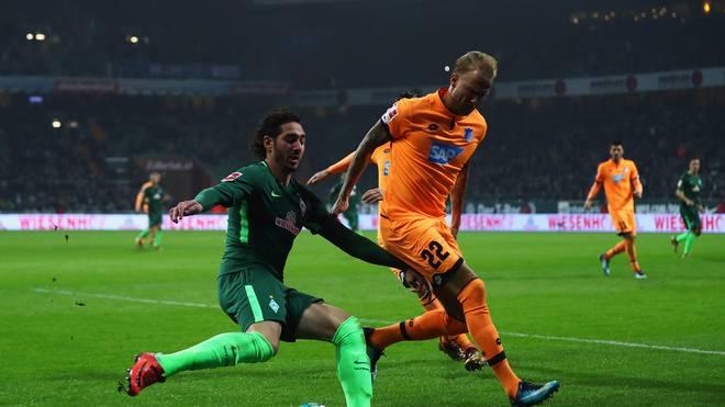 Ishak Belfodil (l.) spielt in der kommenden Saison im Trikot der TSG Hoffenheim