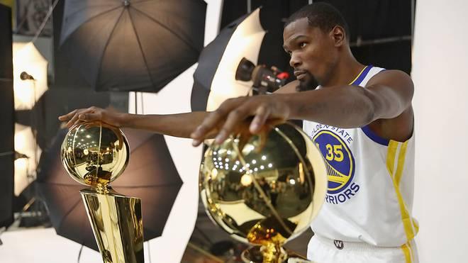 Kevin Durant geht mit den Warriors als Titelverteidiger in die NBA-Saison