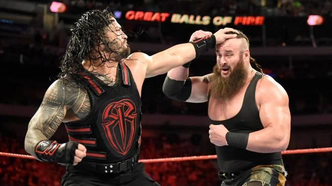 Steve Austin stört sich derzeit sowohl an Roman Reigns (l.) als auch an Braun Strowman