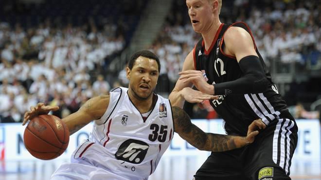 Sergio Kerusch (l.) spielte in der Beko BBL schon für die Artland Dragons