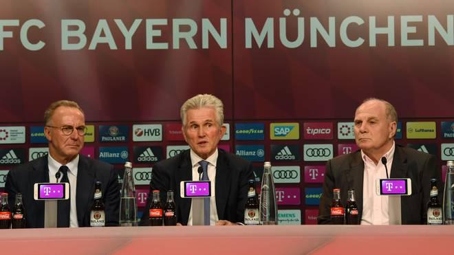 Jupp Heynckes (M.) übernahm im Oktober zum vierten Mal das Traineramt beim FC Bayern