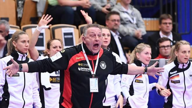 Nationaltrainer Michael Biegler betreut die deutschen Frauen