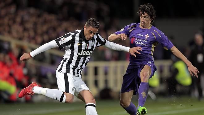 Juventus Turin um Alessandro Matri (l.) empfängt den AC Florenz