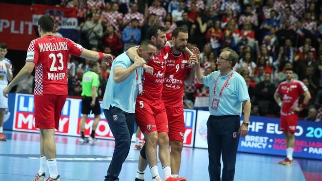 Domagoj Duvnjak verletzt sich im ersten EM-Spiel der Kroaten gegen Serbien