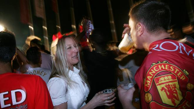 Manchester United Fans Descend On Rome For UEFA Final