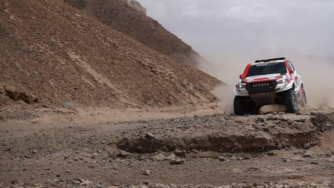 Nasser Al-Attiyah liegt zur Halbzeit der Rallye Dakar klar in Führung