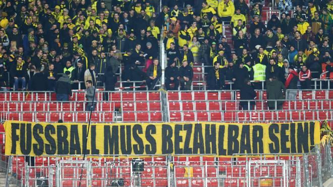 VfB Stuttgart v Borussia Dortmund  - DFB Cup