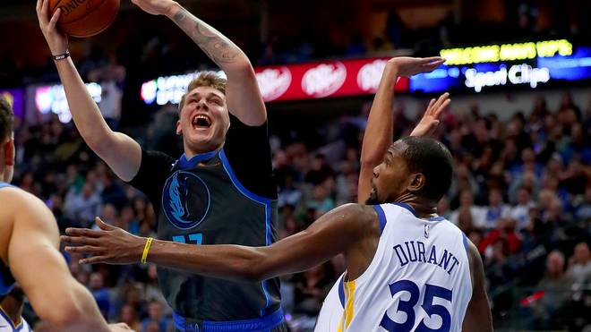 NBA Dallas Mavericks besiegen Golden State Warriors - Doncic Matchwinner