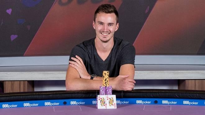 Steffen Sontheimer (l.) gewann beim Poker Masters rund 2,7 Millionen Dollar