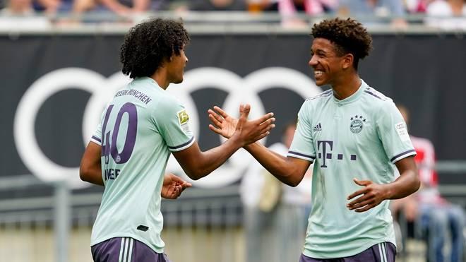 UEFA Youth League: FC Bayern, TSG Hoffenheim - Joshua Zirkzee (l.) und Chris Richards sind im Kader der U19 des FC Bayern für das Spiel in Lissabon