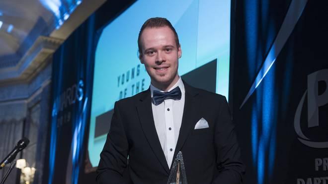 Darts: Max Hopp erhält Auszeichnung von PDC - Van Gerwen bekommt zwei Titel