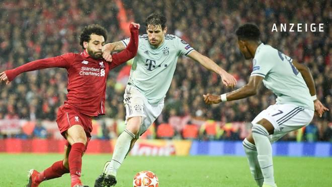Javi Martinez (M., im Zweikampf mit Liverpools Mo Salah) war der überragende Münchner im Hinspiel an der Anfield Road