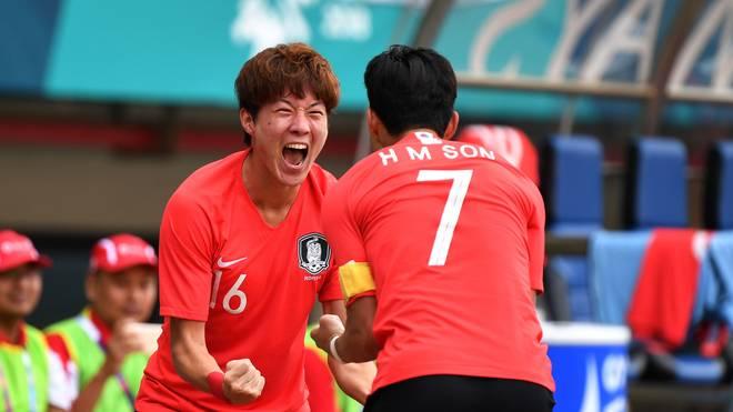 Heung-Min Son (r.) hat mit Südkorea das Fußballturnier der Asienspiele gewonnen