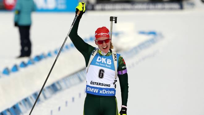 Denise Herrmann jubelt nach ihrem Sieg beim WM Einzelrennen
